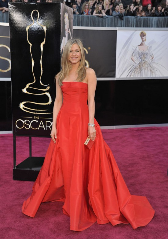 B Id 360101 jennifer aniston 550x781 oscar 2013 gowns worthy of weddings