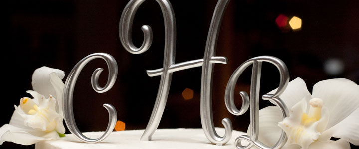 cake-top-monogram-feature