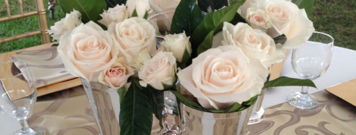 cream-rose-centerpiece-feature